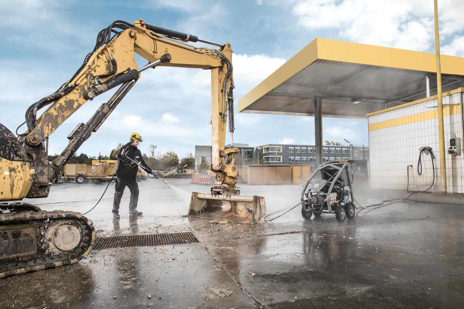 نظافت ماشین آلات با واترجت