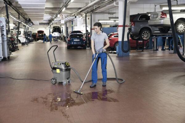 نظافت مرکز تجاری